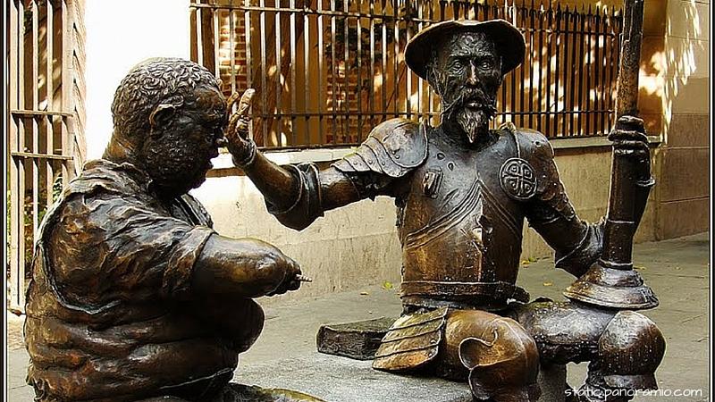 Estatua de Miguel de Cervantes en Alcalá de Henares