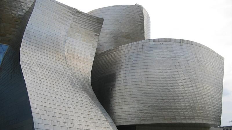 Fachada del Museo de Arte Contemporáneo Guggenheim Bilbao