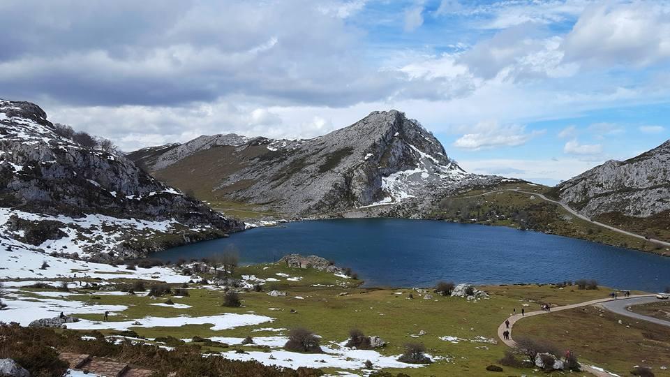 Los Lagos de Covadonga, una de las opciones para quiénes quieren viajar en Navidades