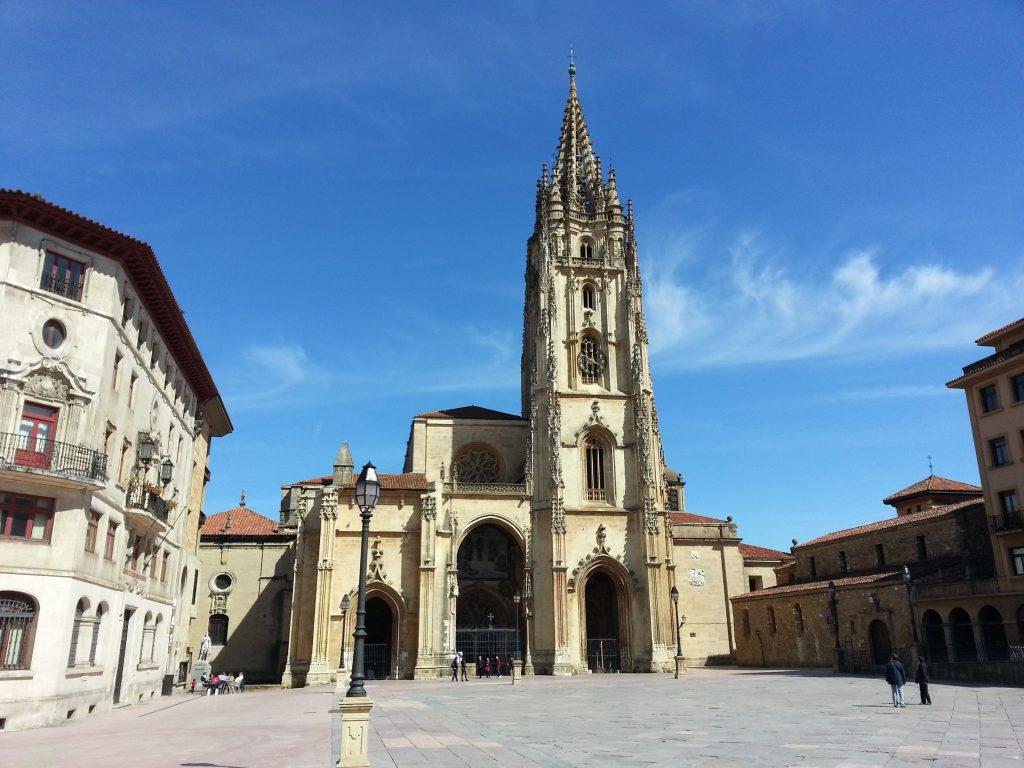 Catedral de Oviedo en Asturias