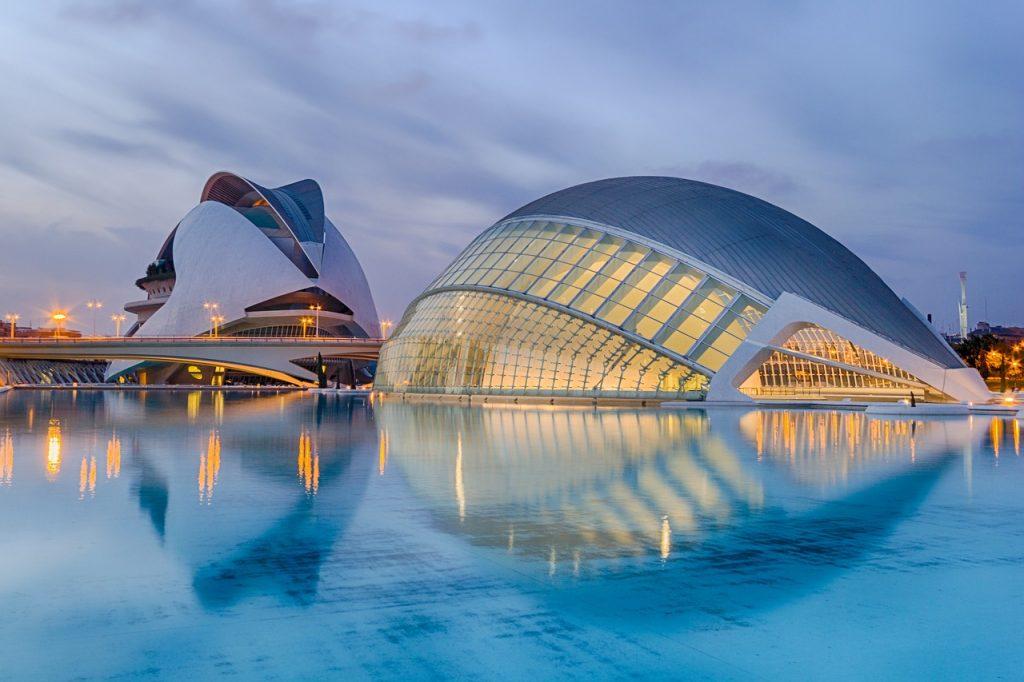 Anochecer en la Ciudad de las Artes y de las Ciencias, Valencia