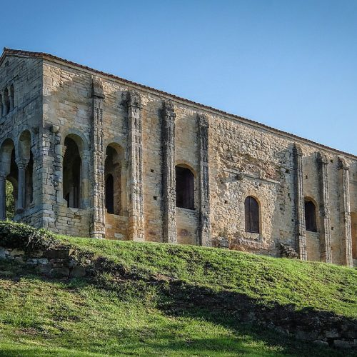 Oviedo: una ciudad del prerrománico en pleno Paraíso